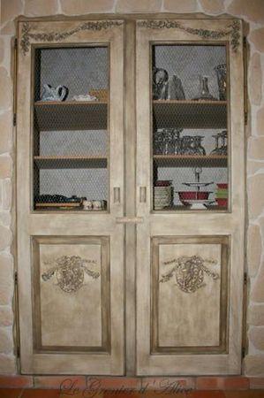 Relooking portes de placard patine ornements suite fin le grenier d 39 alice - Relooker porte placard ...