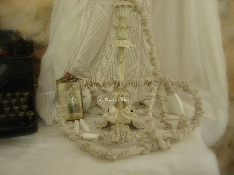 Relooking de lampe une lampe romantique le grenier d 39 alice - Relooker un abat jour ...