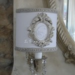 Abat jour blanc patine lin shabby moulure ornement monogramme decoration de charme lampshade gf