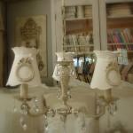 Lustre ancien trois branches patine lin abat jour gustavien ornement noeud pampille cristal decoration de charme shabby chic gf