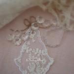 Pampille-voile-mariee-dentelle-broderie-shabby-chic-decoration-de-charme-decoration-romantique