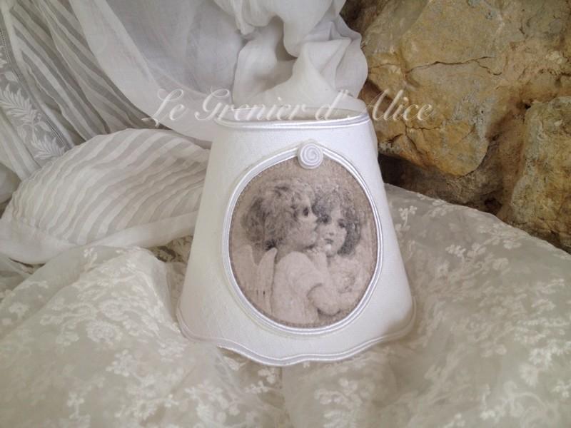Romantiques et shabby chic ces petits anges le grenier d for Abat jour romantique chambre