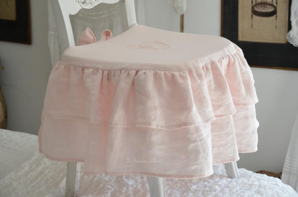 Galette de chaise shabby chic romantique charme housse de chaise lin stone washed lavé froissé rose poudré rose clair rose bonbon broderie machine 3