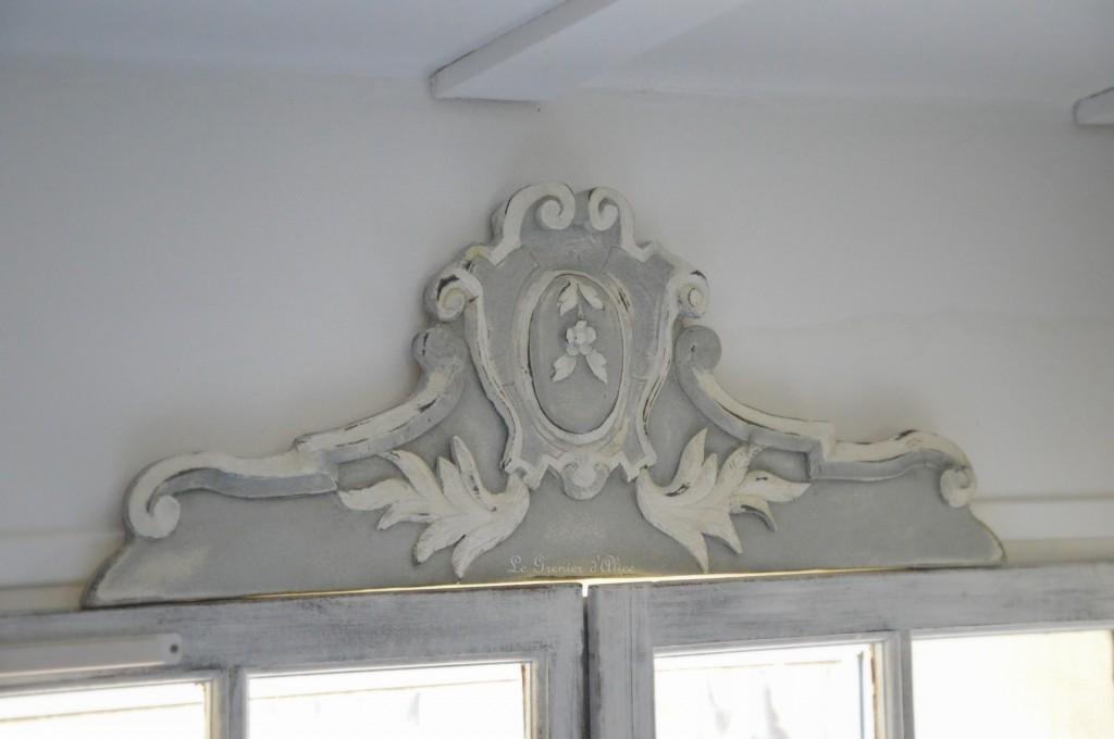 Fronton haut de porte patiné decoration haut de porte haut de fenêtre fronton de style fronton shabby chic et romantique fronton de charme