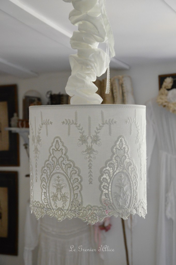 Suspension abat jour shabby chic romantique broderie dentelle blanche romantic lampshade french nordique inspiration french decor decoration de charme 1