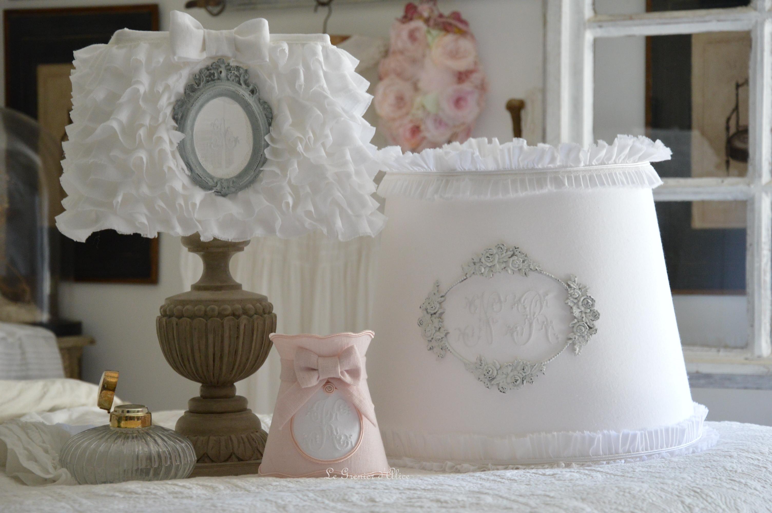 Abat jour froufrou romantique shabby chic le grenier d 39 alice for Abat jour romantique chambre