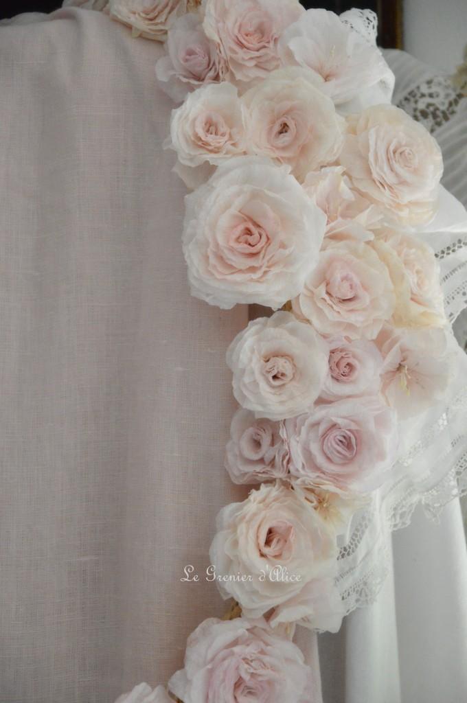 Rideau lin rose poudré volants ruffle rideau shabby chic couture shabby style rideau romantique guirlande rose papier crépon papier peint fleur papier le grenier dalice 3