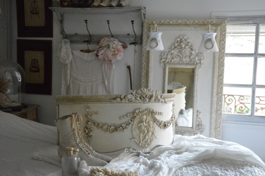 Ciel de lit romantique et shabby chic ciel de lit patiné ciel de lit galbé ciel de lit ornement moulure ciel de lit ange noeud ciel de lit de style french canopy shabby chic romantic 2