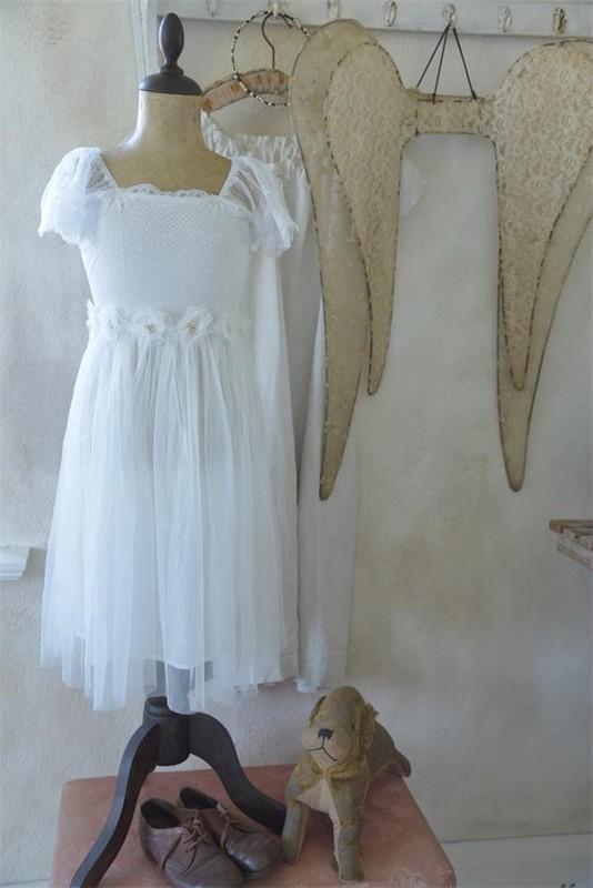 Robe enfant fée vintage manches courtes Jeanne d Arc Living tulle broderie dentelle blanche romantique shabby chic nordique
