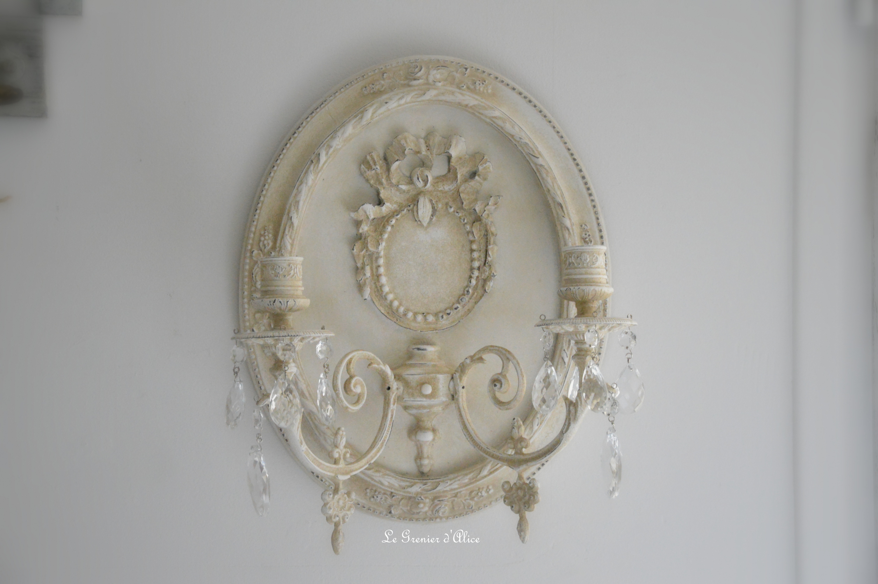 Applique bougeoirs romantique shabby chic creation le grrenier dalice patine lin pampille cristal cadre oval applique ancienne deux branches