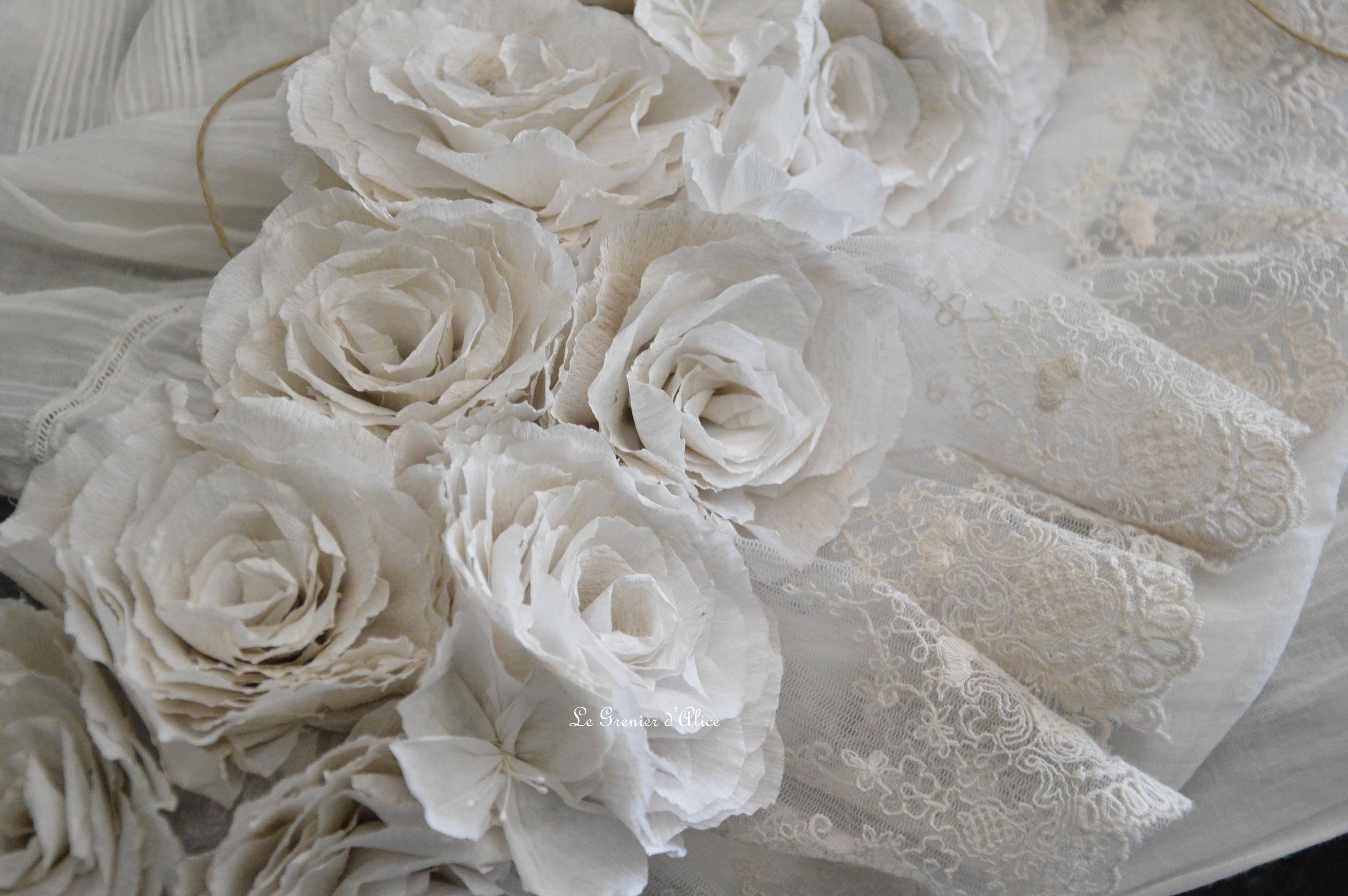 Guirlande rose papier crepon rose poudré couleur lin shabby chic romantique romantic rozen couronne rose dentelle voile mariée jute ruban 1