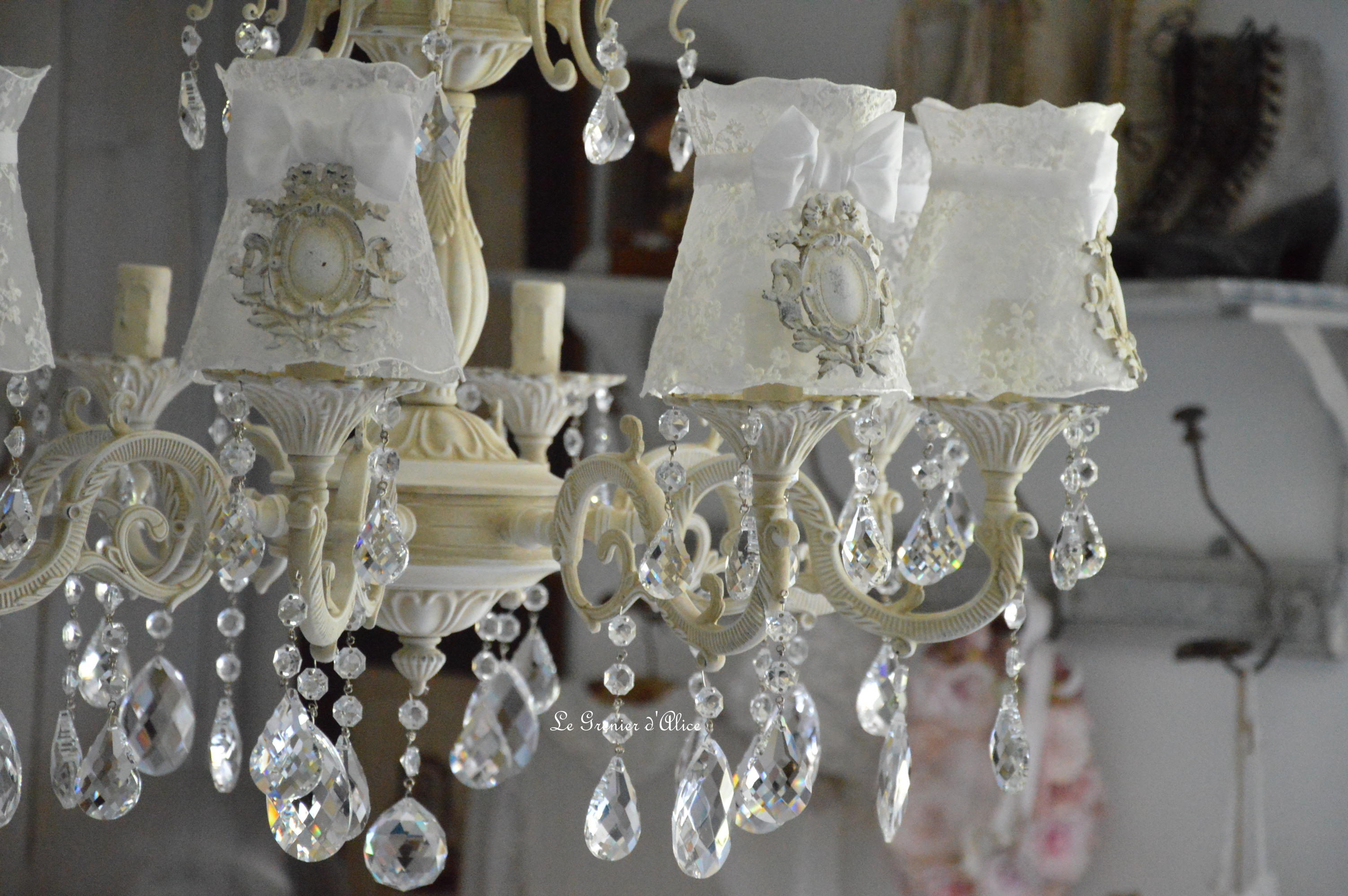 lustres shabby chic amazing shabby chic crystal chandelier shabby chic lustre lustre pour cm w. Black Bedroom Furniture Sets. Home Design Ideas