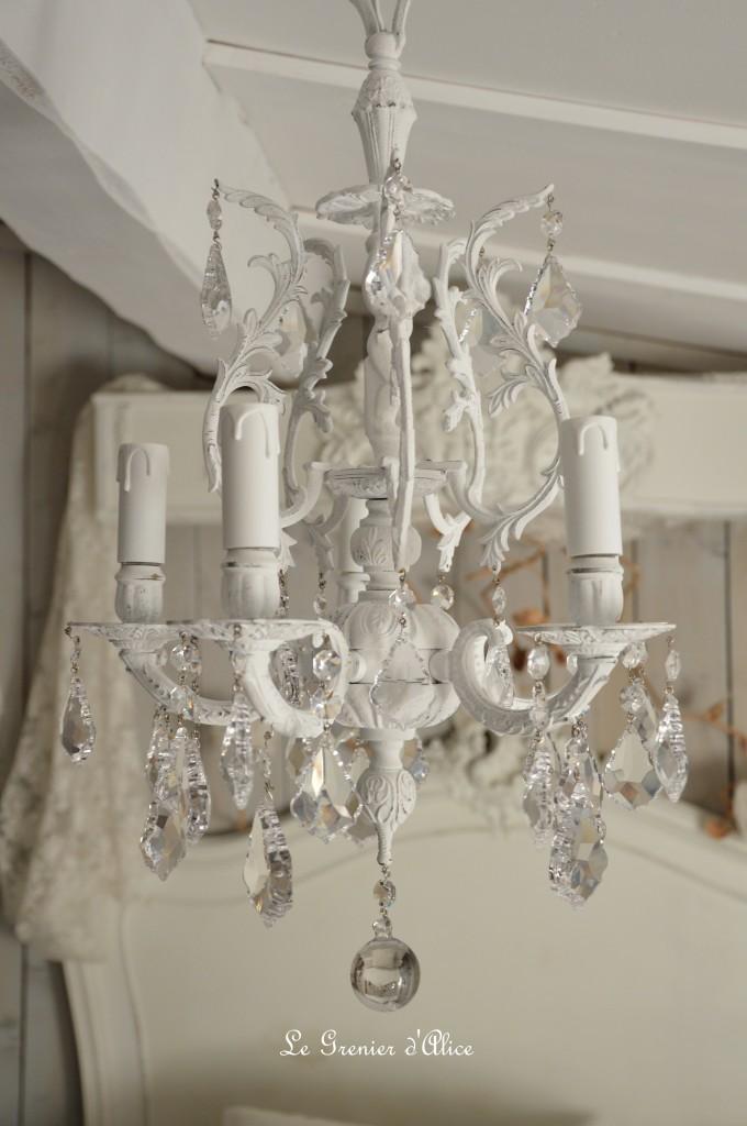Lustre cinq branche patine blanche lustre shabby chic et romantique pampille cristal ange cherubin 1