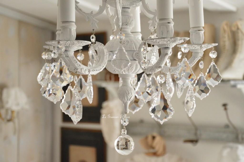 Lustre cinq branche patine blanche lustre shabby chic et romantique pampille cristal ange cherubin 3