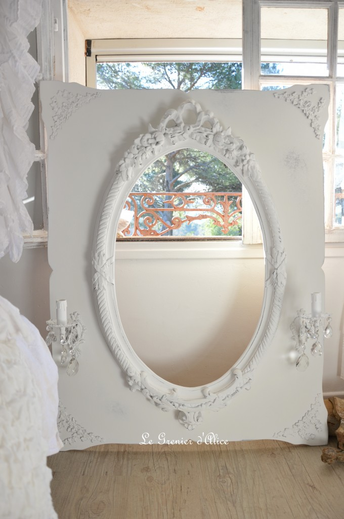 Miroir romantique miroir shabby chic miroir blanc miroir oval miroir a applique ancienne pampille cristal miroir electrifié