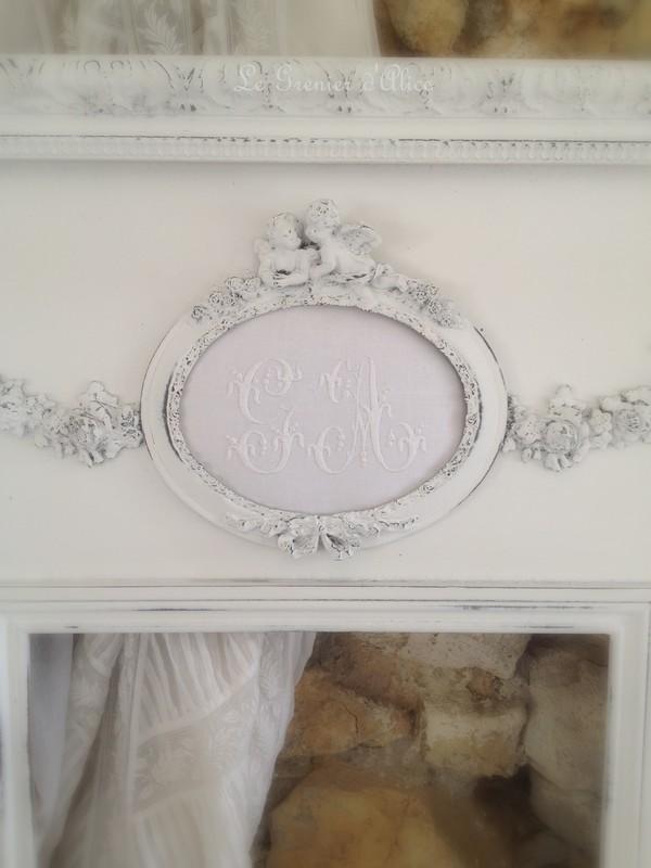 Trumeau shabby chic patine blanc poudré miroir romantique miroir applique ancienne pampille cristal le grenier dalice 1