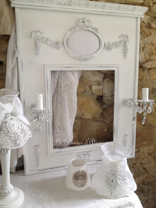 Trumeau shabby chic patine blanc poudré miroir romantique miroir applique ancienne pampille cristal le grenier dalice 2