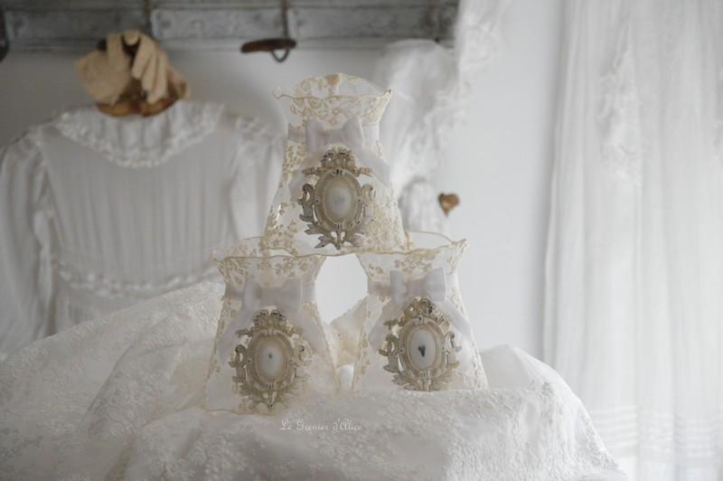 Abat jour shabby chic à colerette ornement moulure résine dentelle voile mariée patine lin abat jour romantique abat jour de charme 1