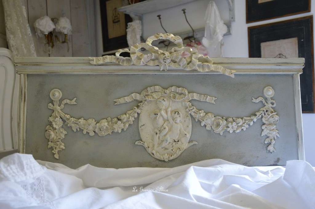 Fronton haut de porte patine vieillie patine ancienne patine gris gustavien shabby chic french decor style 18e decoration de charme decoration romantique chateau maison de maitre
