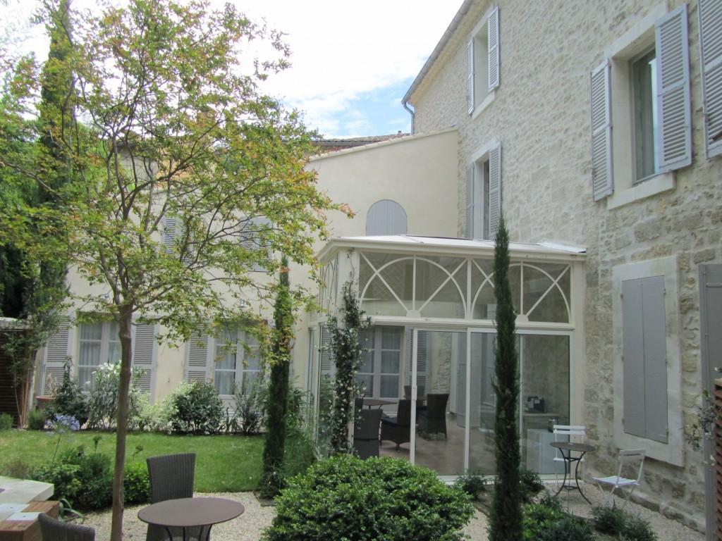 Numéro 15 Avignon chambres d'hotes maison de charme piscine pierre decoration festival