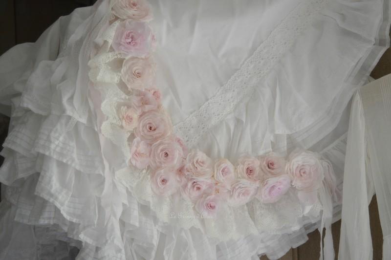 Guirlande couronne fleur rose papier crepon rose shabby chic dentelle blanche dentelle mariée ruban shabby rose papier romantique rose poudré romantic rose 4