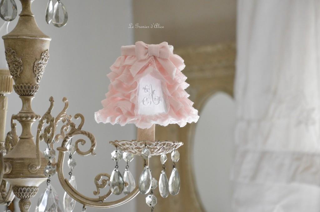 Abat jour pagode diamètre 12 abat jour shabby chic abat jour romantique en lin rose poudré froufrou volant monogramme brodé