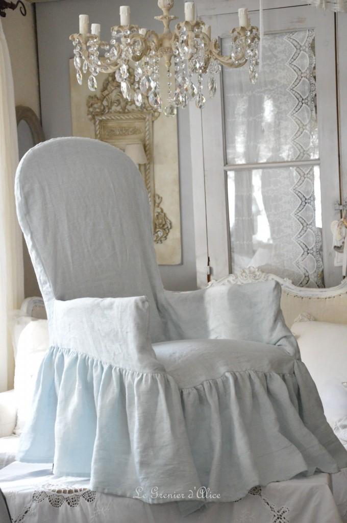 Housse fauteuil voltaire housse romantique et shabby chic lin lavé stone washed blanc rose poudré gris brume gris gustavien gris nuage celadon lin naturel housse froufrou 1