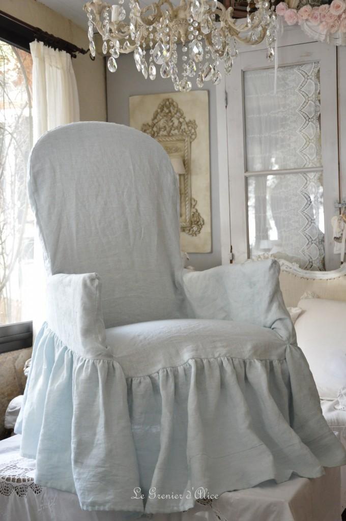 Housse fauteuil voltaire housse romantique et shabby chic lin lavé stone washed blanc rose poudré gris brume gris gustavien gris nuage celadon lin naturel housse froufrou