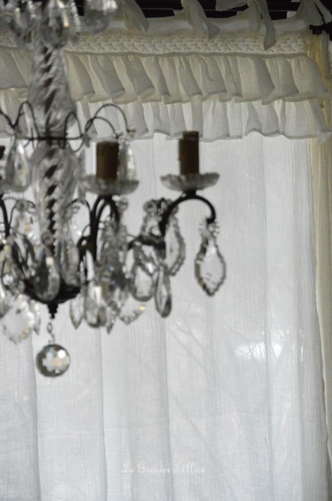 Rideau shabby chic le grenier dalice rideau romantique en voile de lin ivoire volant froufrou dentelle brodée nouette rideau de charme romantic and shabby curtain