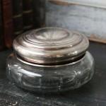 Boite N° 4 style shabby chic romantique ancien monogramme poincon verre argent nacre poudre charme exquis baroque collection de boites pilule