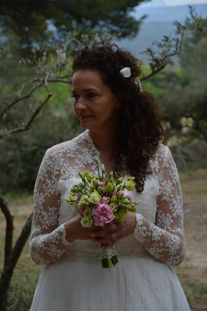 Mariage romantique robe mariée romantique robe mariée tulle brodé voile de lin ivoire robe mariée ivoire bouquet de mariée pivoine lisianthus blanc vert rose