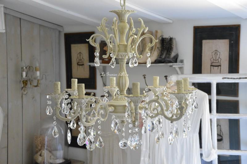 Lustre huit branches 64cm diametre hauteur 96cm six branches dispo lustre patiné pampilles cristal