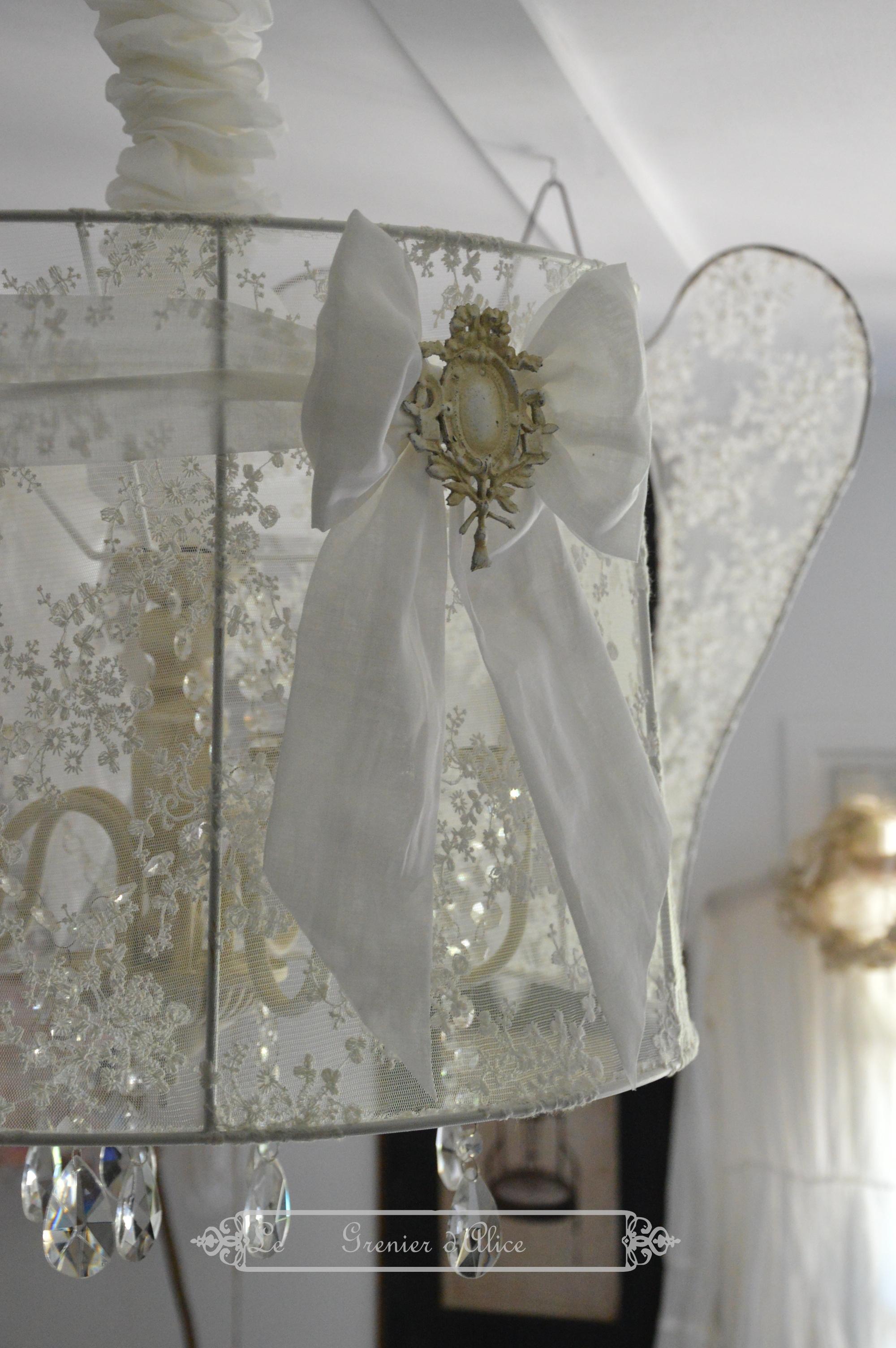 Suspension abat jour lustre aile d ange relooking tulle broderie voile de mariée organdi blanc romantique shabby chic vintage french decor nordique scandinave 1
